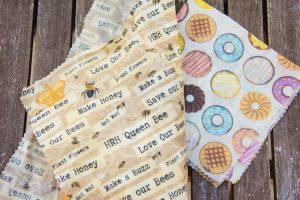 Beeswax Reusable sandwich wrap as alternative to tin foil and cling film